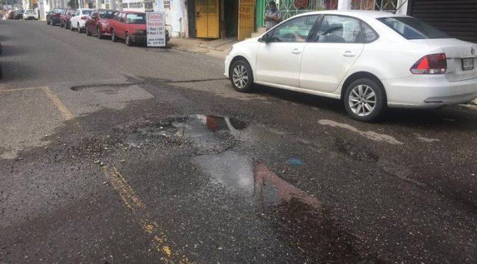 Tabasco: Fotogalería | Miles de litros de agua potable desperdiciadas por fugas en Villahermosa (El Heraldo de Tabasco)