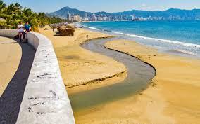 Guerrero: Descargan aguas negras en playas de Acapulco (La Jornada)