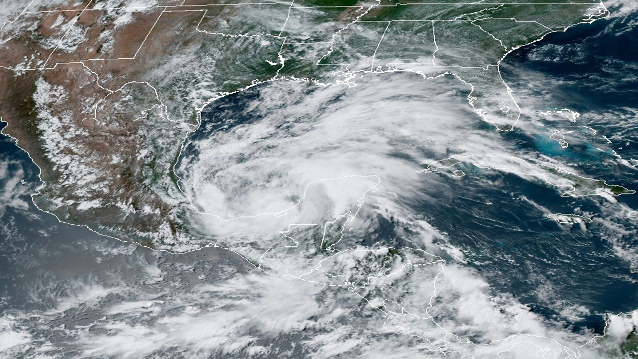 Sur de México y América Central: El ciclón Cristóbal hace historia en el Atlántico (La Voz de Galicia)