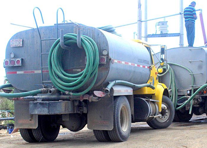 Estado de México: Pipas realizan 2 mil 520 viajes por corte de agua en Iztapalapa (Milenio)