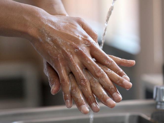 CDMX: Aumenta consumo de agua en hogares, piden ahorrarla (Excelsior)