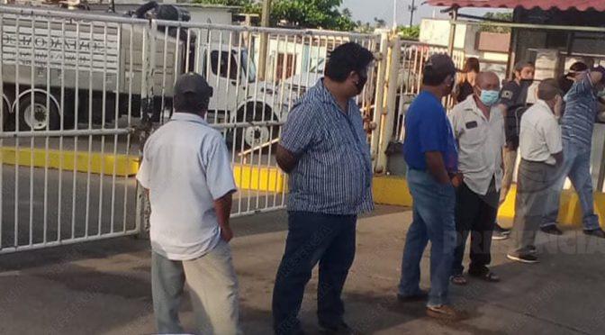 Protestan en CMAS-Coatza por falta de agua (Presencia)