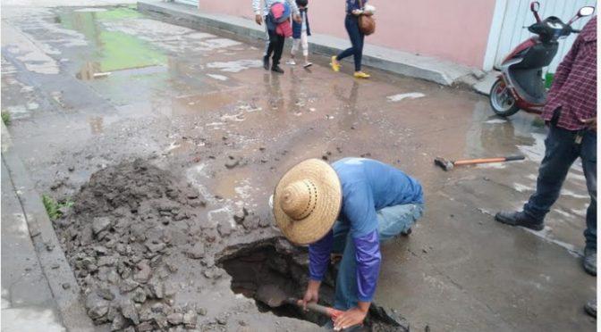 Tlaxcala: Atiende servicios públicos reportes de fugas de agua en Ixtenco. (Línea de Constraste)