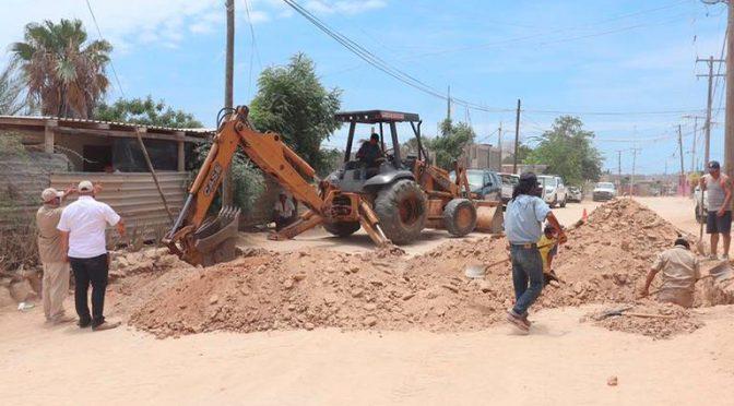 Baja California Sur: Instalan tomas comunitarias de agua potable en colonia Tierra y libertad. ( El Sudcaliforniano)