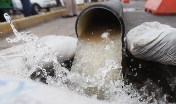 EDO. MÉX. : Perforan pozos para dotar de agua a vecinos de la V Zona de Ecatepec. (ASÍ SUCEDE)