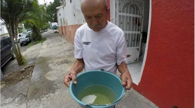 Jalisco: Afirma el SIAPA que cambio de color en el agua se debe a sustancias usadas para potabilizarla. (Informador)