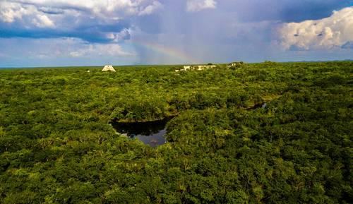 Yucatán: Se realiza el primer registro fotográfico moderno del principal sistema hidráulico de Uxmal (La Jornada)