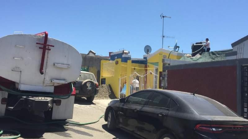 Baja California: Sigue abastecimiento de agua con pipas (El Vigia)