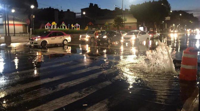 CDMX: Fuga inunda carriles de Eje Central (Milenio)