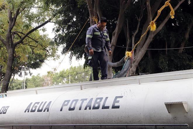 CDMX: Pagan 19 mil usuarios cargo extra por agua (Reforma)