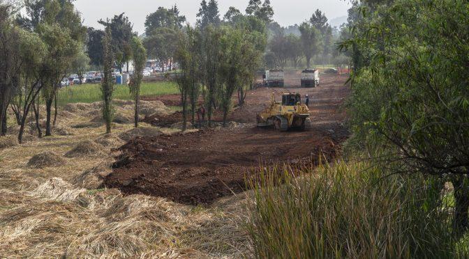 La obra que amenaza Xochimilco, el último humedal de Ciudad de México (El País)