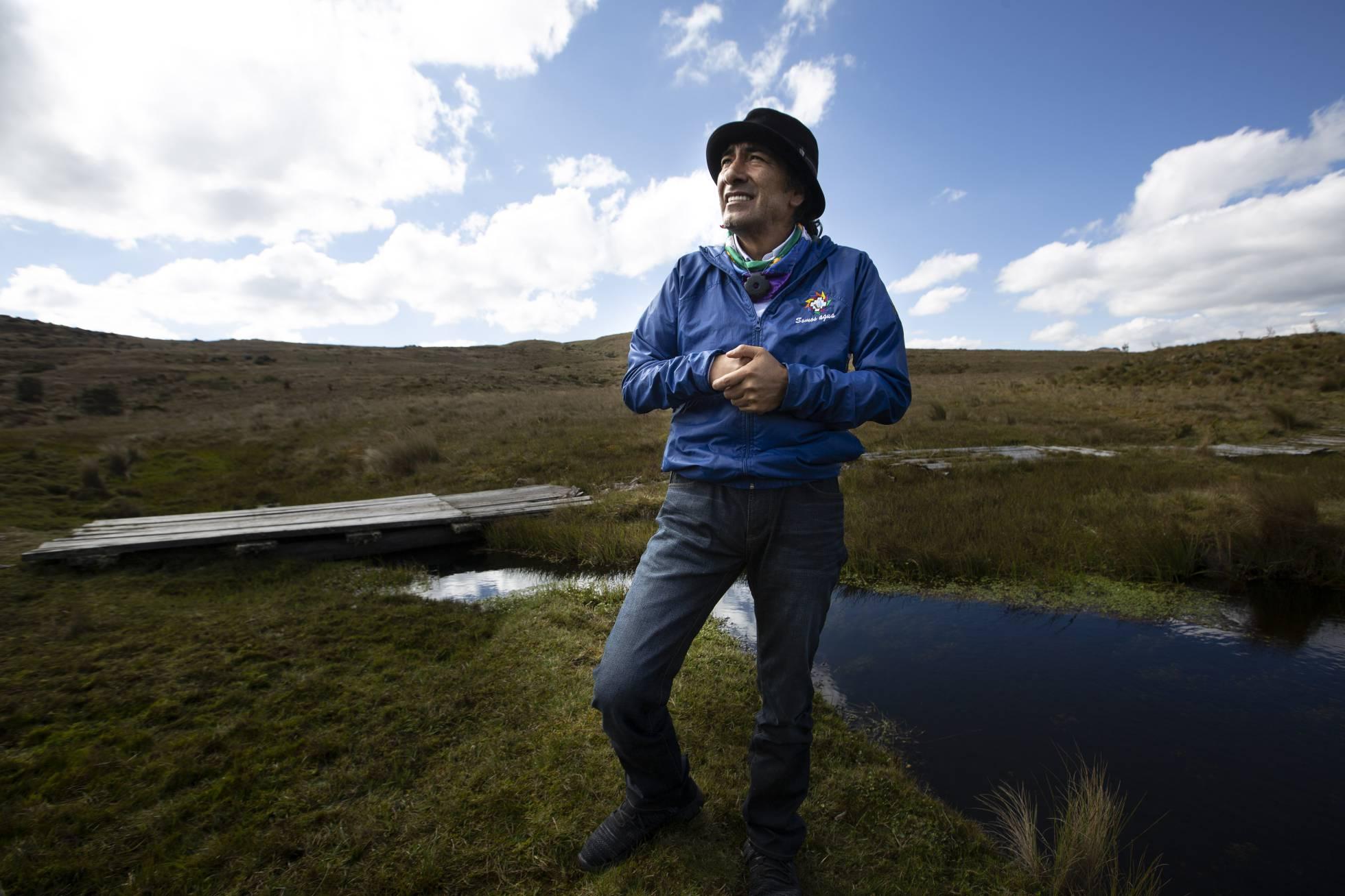 Ecuador: Yaku Pérez, el abogado del monte que defiende el agua (El País)