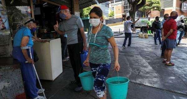 Más del 90% de los hogares venezolanos no reciben agua en forma regular (Dolar Today)