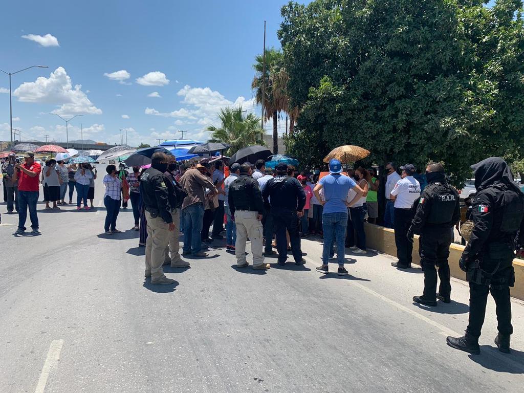 Coahuila: Bloquean vialidad en Torreón por escasez de agua (El Siglo de Torreón)