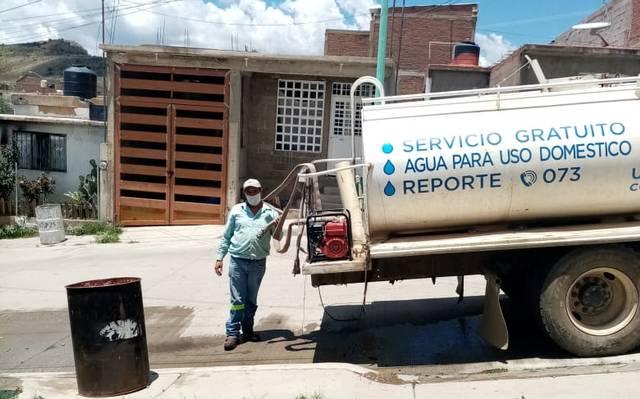 Chihuahua: Vecinos inconformes por insuficiente tandeo de agua (El Sol del Parral)