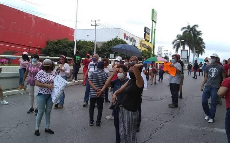 Cierran calles por falta de agua (El sol de Cuernavaca)