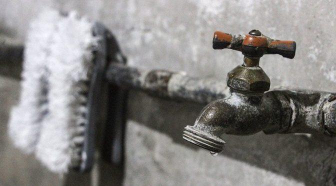CFE dejó sin agua a 300,000 personas tras cortar el suministro de energía de cuatro pozos de Ecatepec (Infobae)