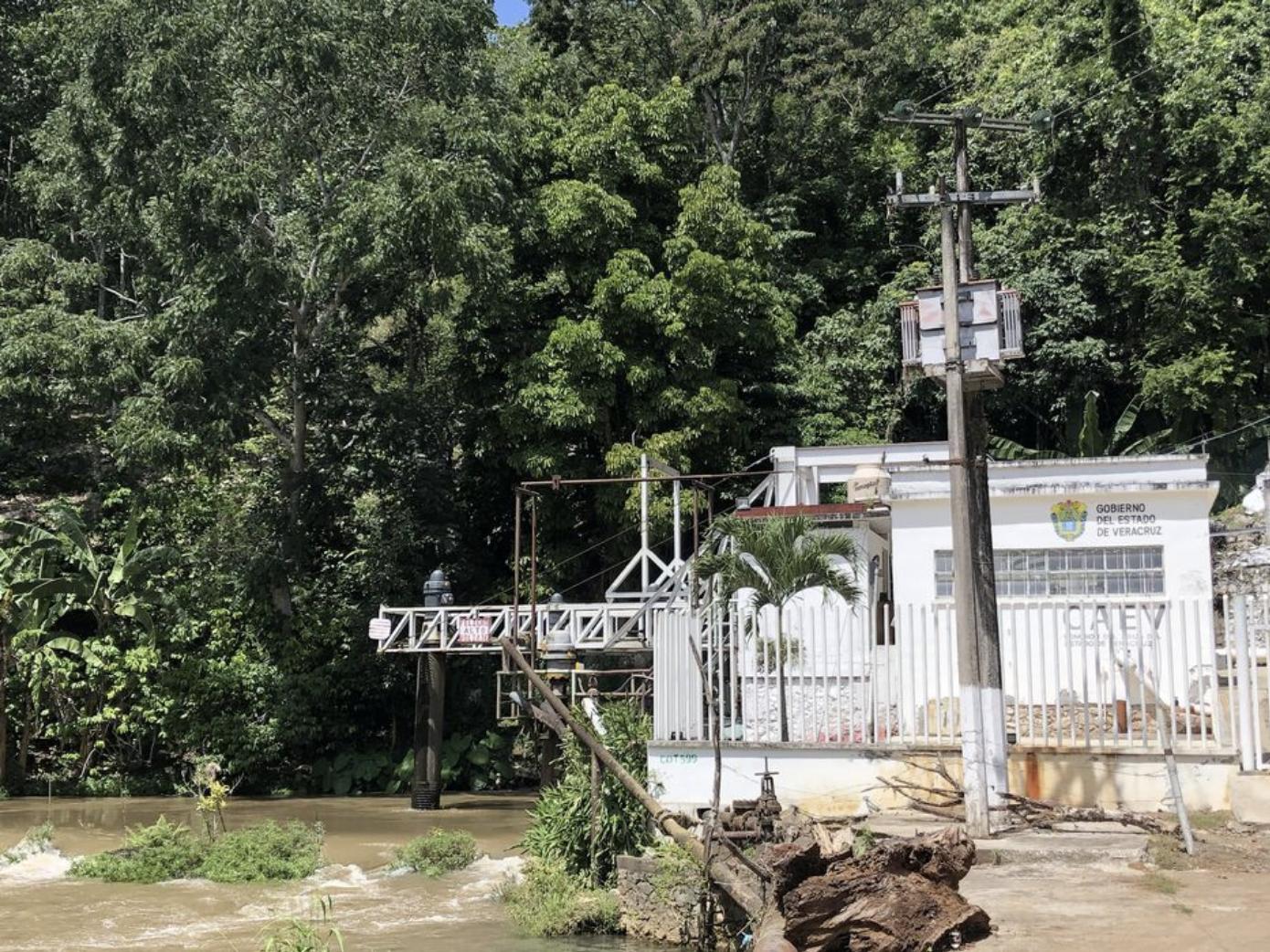 Veracruz: Pagan agua… ¡reciben lodo! (El Mundo)