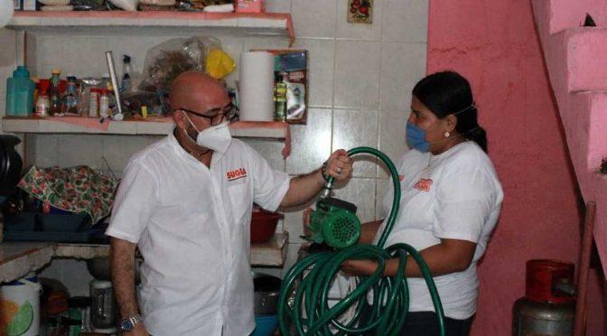 Guerrero: Ante falta de agua, habitantes de Acapulco compran bombas para abastecerse. (Milenio)