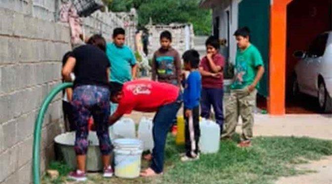San Luis Potosí: Drenan red de agua y generan desabasto. (Pulso)