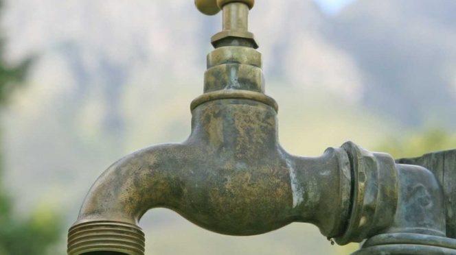 EDO. MÉX. : Cientos de colonias se quedan sin agua en Edomex. (Excélsior)