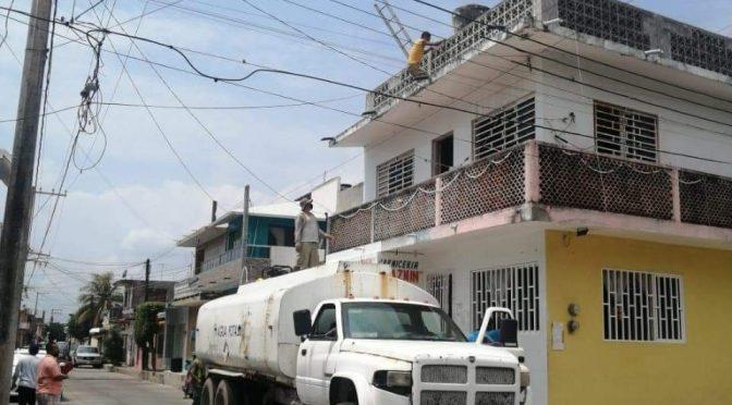 Veracruz: Alvaradeños exigen al CAEV que solucione la falta de agua y el brote de aguas negras. (El Demócrata)
