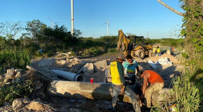 Yucatán: Les bombean agua lodosa. (Diario de Yucatán)