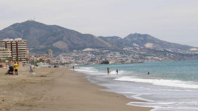 España: Málaga bate su récord de temperatura del agua, con más de 26 grados en la playa de Fuengirola (Málaga Hoy)