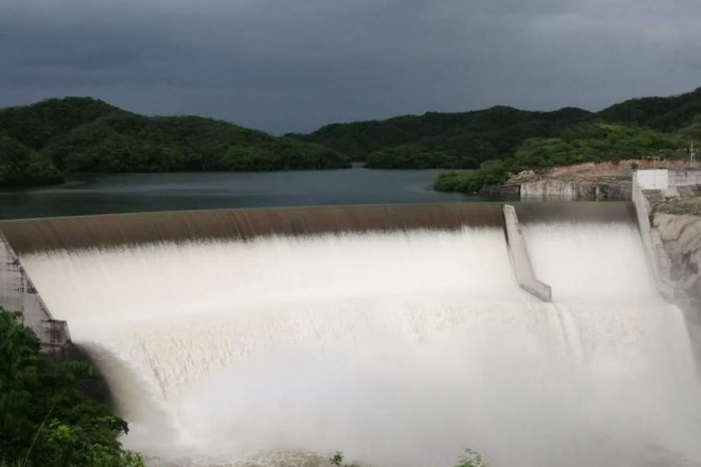 Sinaloa: Se normaliza vertimiento de agua en Presa Picachos (Noroeste)