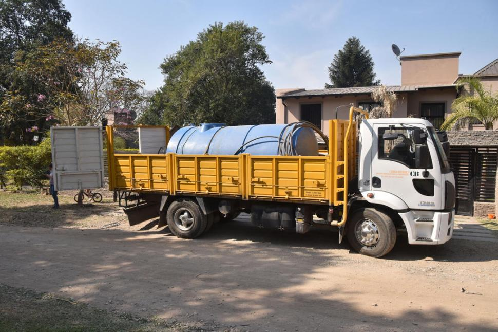 Continúan los problemas del abastecimiento de agua en El Corte (La Gaceta)