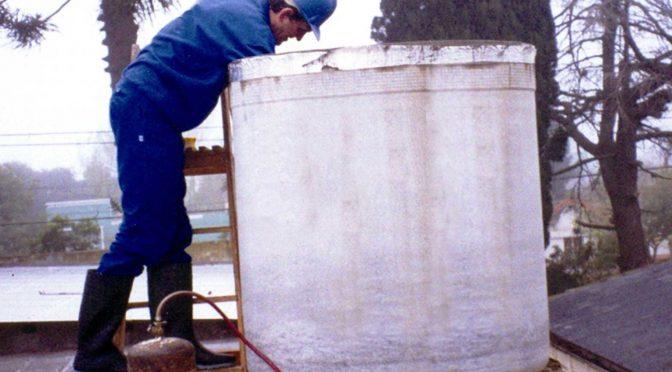Al limpiar y desinfectar los tanques y cisternas domiciliarios mantenemos la calidad del agua potable (Rufino Web)