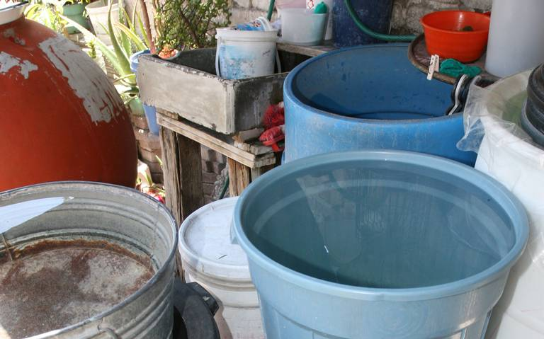 Agua llega turbia a viviendad de rio blanco, reprochan a CAEV (Al Calor Politico)