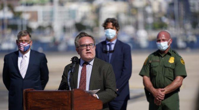 EEUU trabaja para bloquear aguas residuales de México (LA Times)