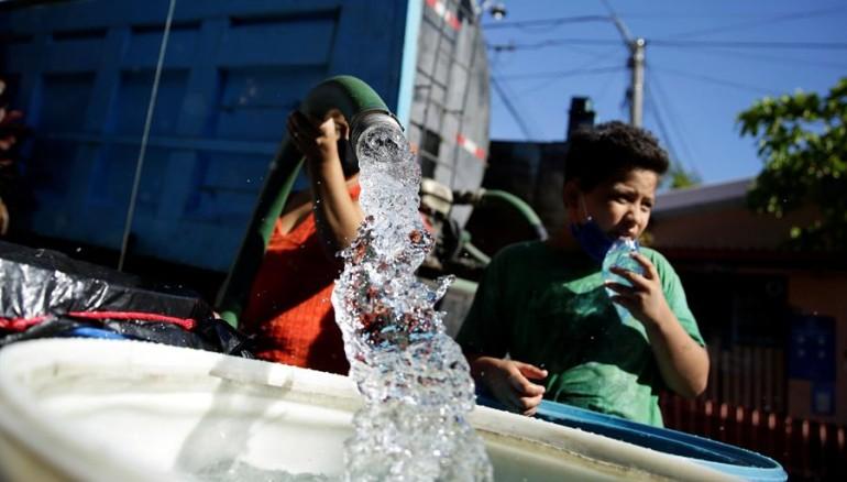 No habrá suspensión de servicio de agua en municipios de San Salvador ( Diario 1)