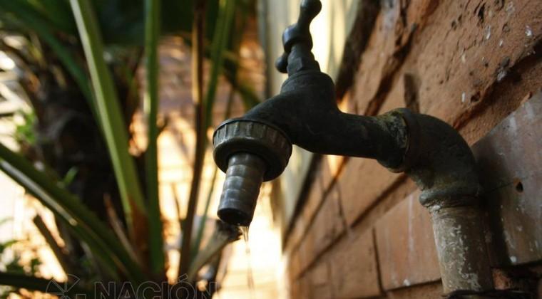 Falta de agua se debe al mantenimiento de filtros a Planta de Viñas Cué, informan (Hoy)