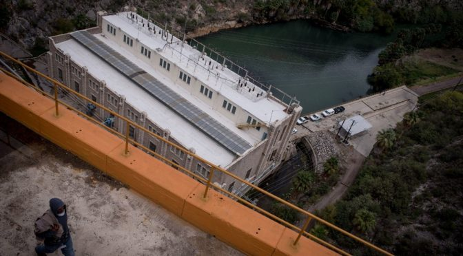 México: México cumple y da a EEUU el agua que le debía, pero deja 'sedientas' a ciudades fronterizas en medio de una sequía. (Univision)