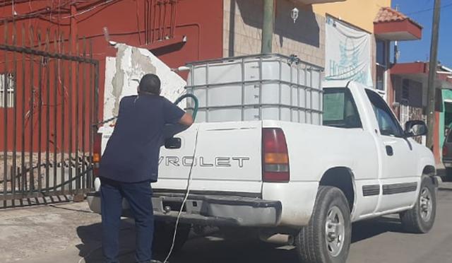 "Escuinapenses compran agua para ""noche buena"" (El Sol de Mazatlán)"