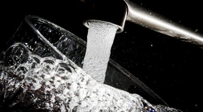 Altos niveles de arsénico en el agua potable de comunidades hispanas pobres (Diario Rotativo)