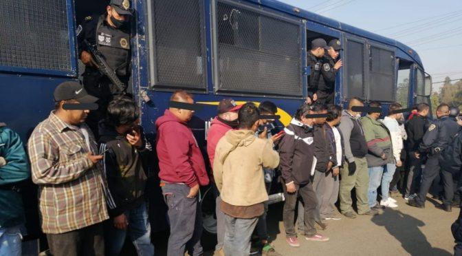 Detienen a 26 extorsionadores de pipas de agua en Xochimilco (Noticias en la mira)