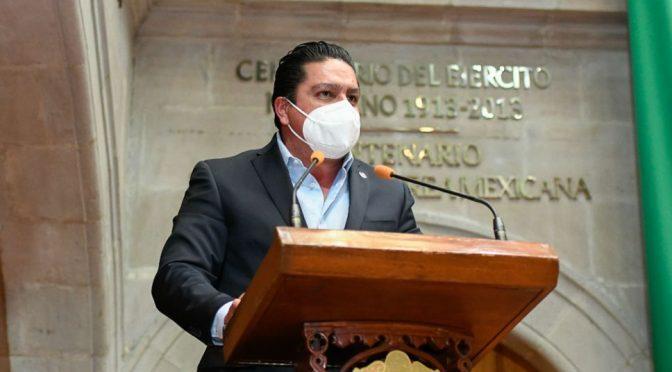 PAN propone multas de 60 mil pesos para quien desperdicie agua en el Edomex (ADN 40)