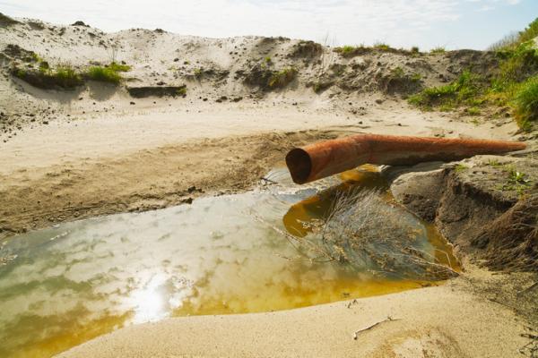 Contaminación de las aguas subterráneas: causas y consecuencias (Ecología verde)