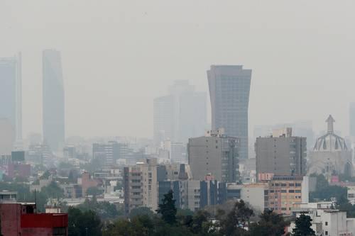 Contaminación atmosférica favorece transmisión de Covid (La Jornada)