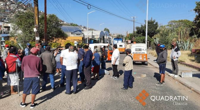 Bloquean avenida en la ciudad de Oaxaca para pedir agua potable (Quadratin)