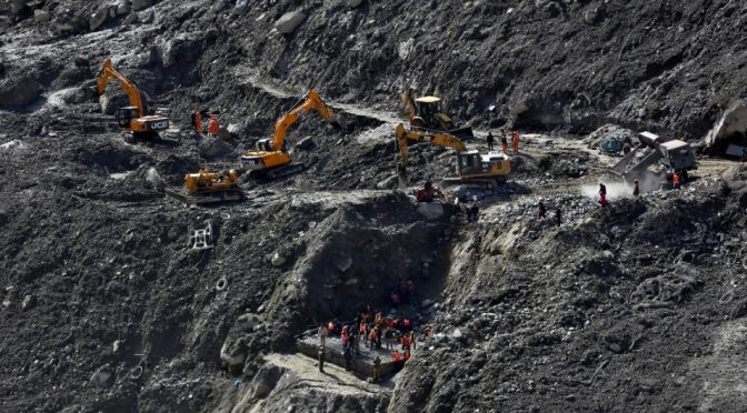 Aumento en el nivel de agua frena rescate de trabajadores atrapados en túnel del Himalaya (LATINUS)