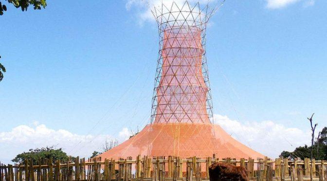 Torre de bambú y plástico biodegradable recolectan agua del rocío (elcomentario.ucol.mx)