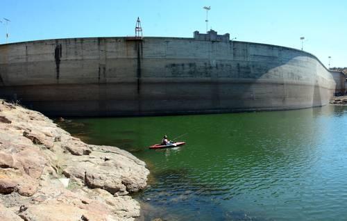 Aguascalientes: Planean quitar agua dulce a labriegos de Aguascalientes (La Jornada)