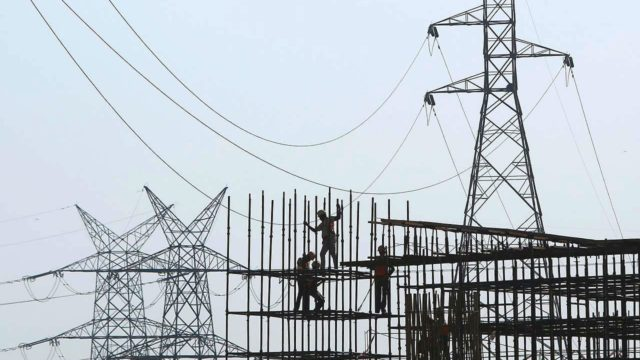 Coparmex advierte aumento de precios por reforma eléctrica (Forbes México)