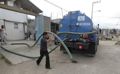 CDMX: La mayor distribución de agua con pipas ha sido para Iztapalapa, Tláhuac y Tlalpan (La Jornada)