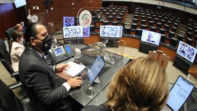En 'fast track', Senado aprueba reforma eléctrica de AMLO (Forbes México)