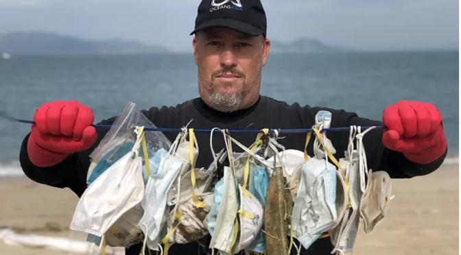 Más mascarillas que medusas en el mar (El Mundo)